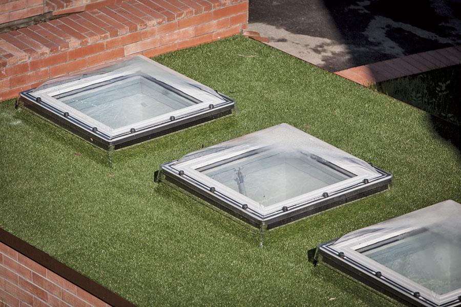 Dxc c escotilla fija para techos planos o techos verdes for Ventanas para techos planos argentina